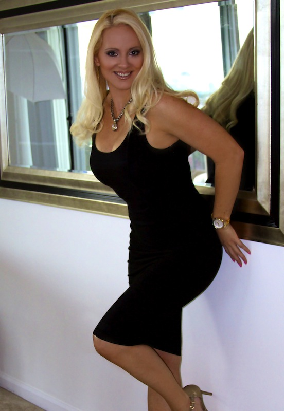 Body_shaper_black_dress