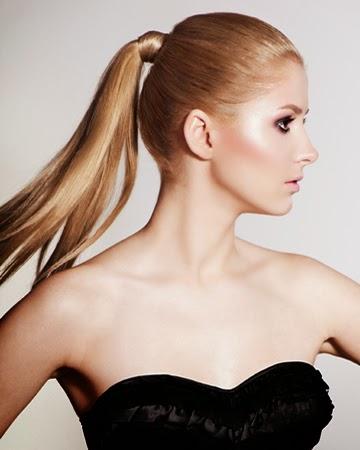 Perfect Blondi Ponytail Style