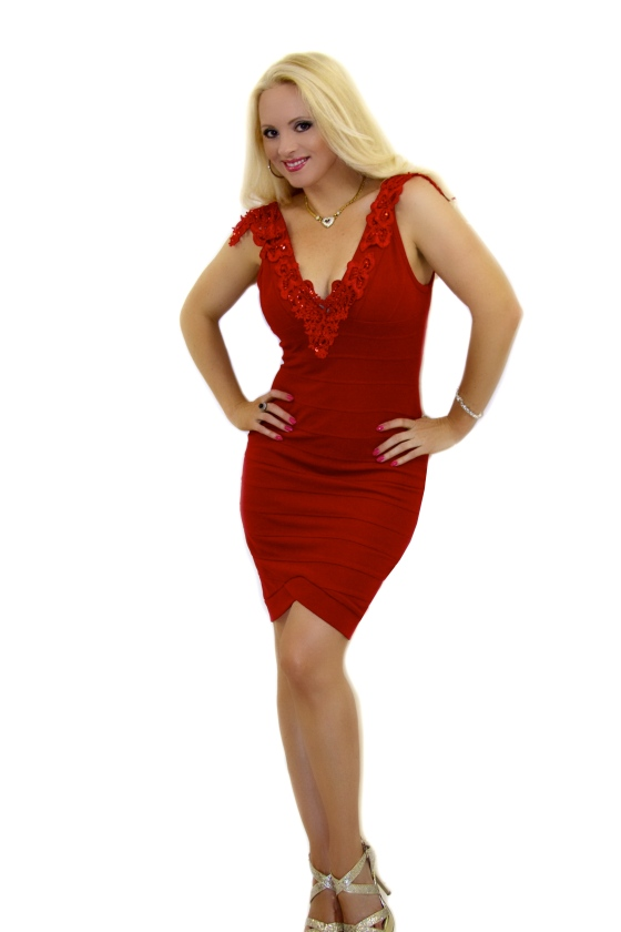 Red_lace_bandage_dress