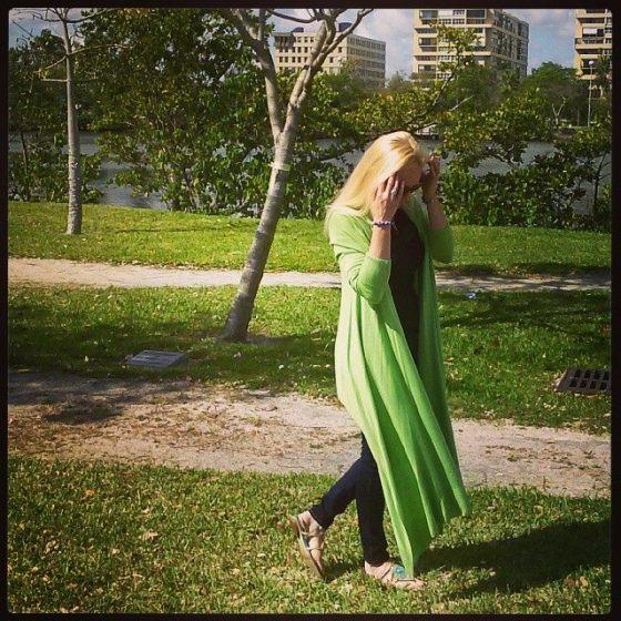 Green_sweater_skinny_jeans