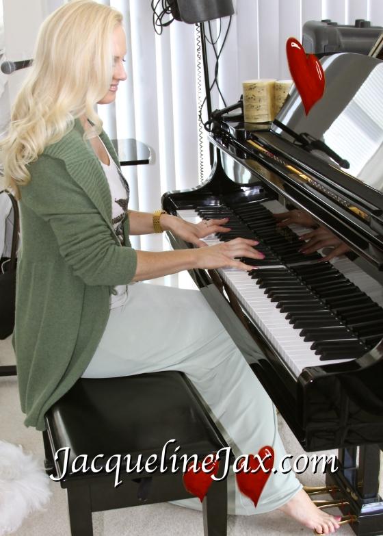 JacquelineJax.com