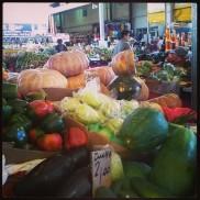 Fresh outdoor markets on Sundays