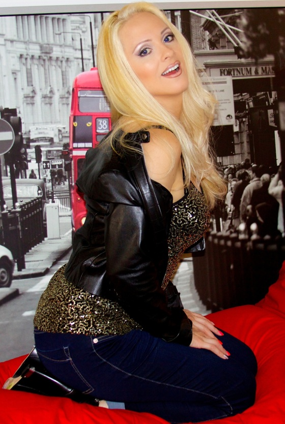 Jacqueline_Jax_AVA_Live_Radio_2.jpg